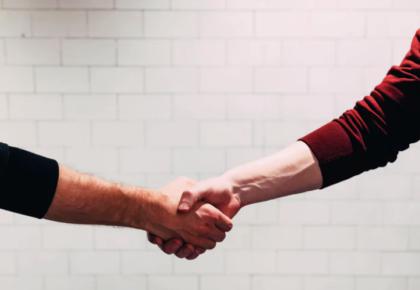 L'importanza della connessione umana e digitale: come comunichiamo